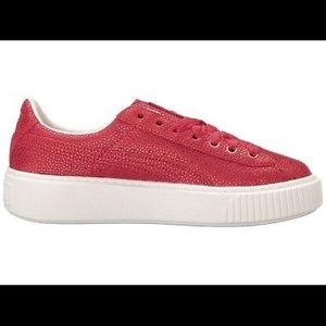 NEW $120 Puma Shoes Platform Lux Sneakers Red